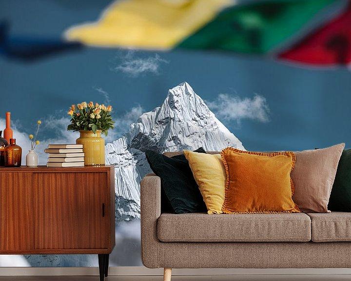 Sfeerimpressie behang: Ama Dablam (6812m) van Roy Mosterd