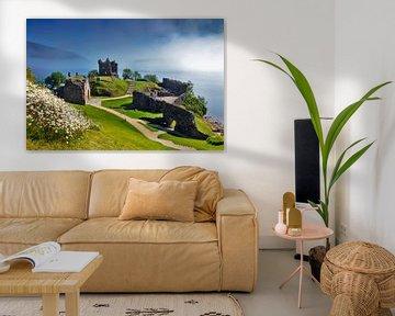 Urquhart Castle in den schottischen Highlands von Jürgen Wiesler