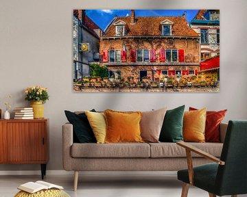 Oudhollands gebouw in Amersfoort  met rode luiken van Bart Ros