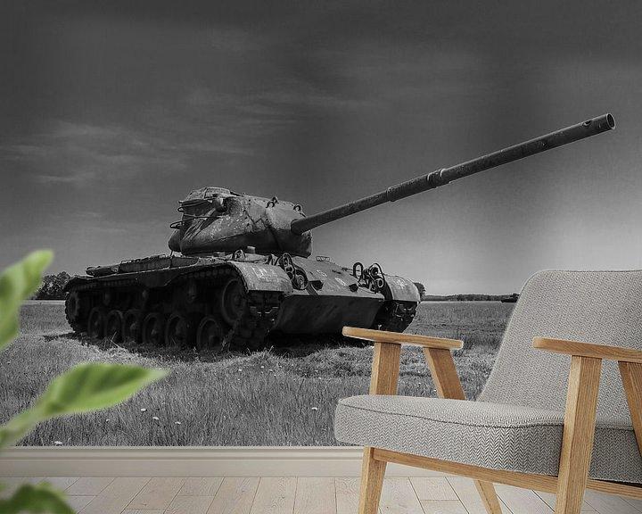 Sfeerimpressie behang: M47 Patton leger tank zwart wit 6 van Martin Albers Photography
