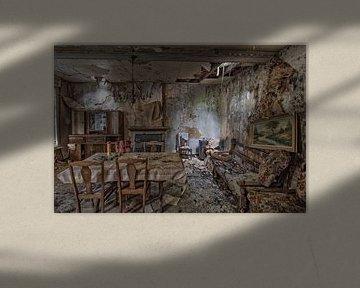 Ein verlassenes Wohnzimmer von Mike Peek