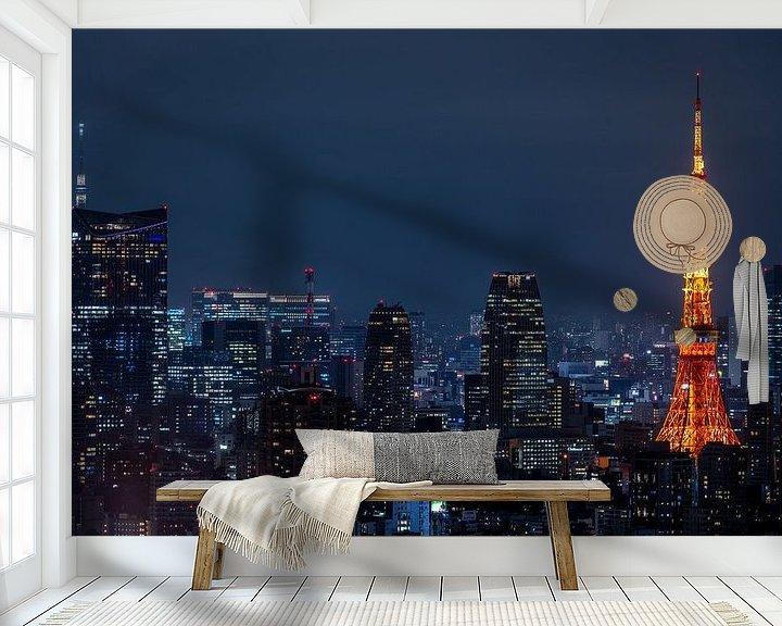 Sfeerimpressie behang: Tokyo Tower 3 van Sander Peters Fotografie