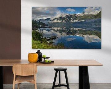 Uitzicht over de Hardangerfjord van Adelheid Smitt