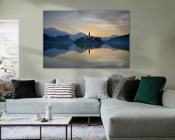 Lever du soleil au lac Bled sur Rolf Schnepp