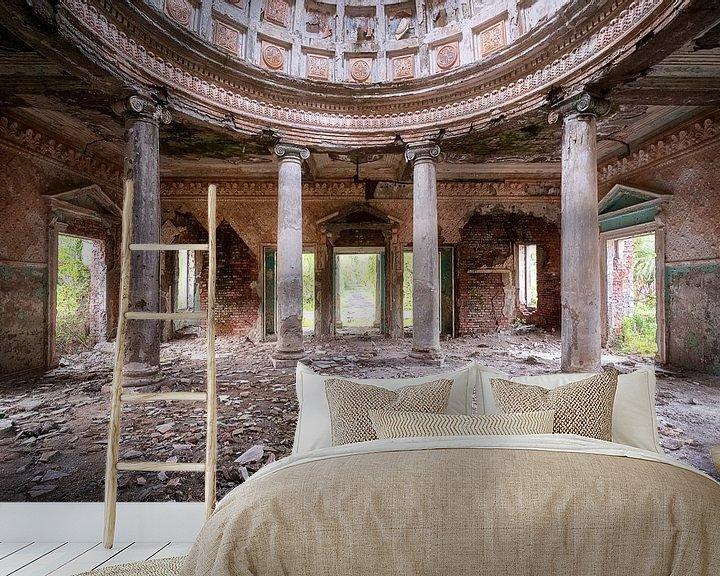 Sfeerimpressie behang: Verlaten Zuilen Resort. van Roman Robroek