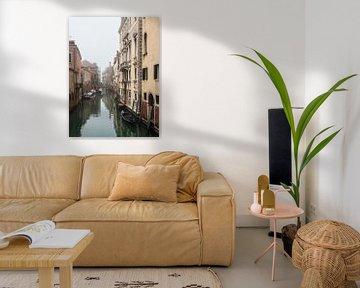 Monuments historiques et canal dans la vieille ville de Venise, Italie sur Rico Ködder