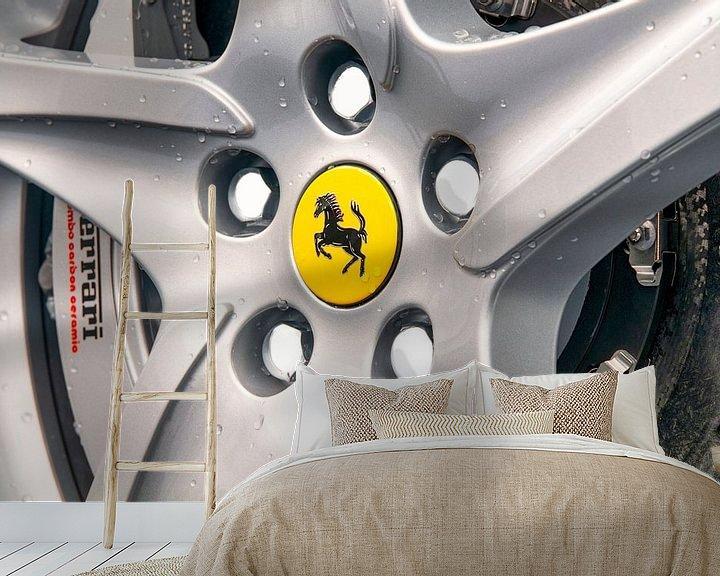 Sfeerimpressie behang: Ferrari wiel op een Ferrari FF Gran Turismo sportwagen van Sjoerd van der Wal