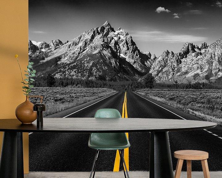 Sfeerimpressie behang: The road to the mountains van Bart van Dinten