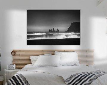 ReynisDrangar Iceland black and white van Thomas Kuipers