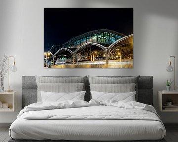 Kölner Bahnhof am Abend von Marcia Kirkels