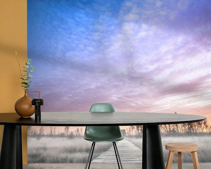 Sfeerimpressie behang: Winterse zonsopkomst in Limburg van Jeroen Mikkers