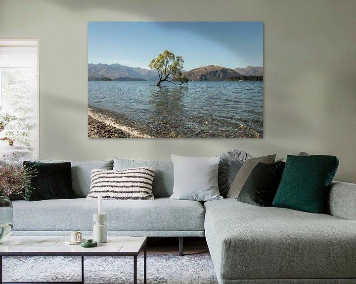 Sfeerimpressie: Wanaka Tree van Anne Vermeer