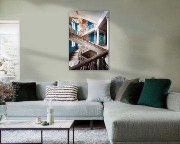 Verlassene Blaue Treppe. von Roman Robroek