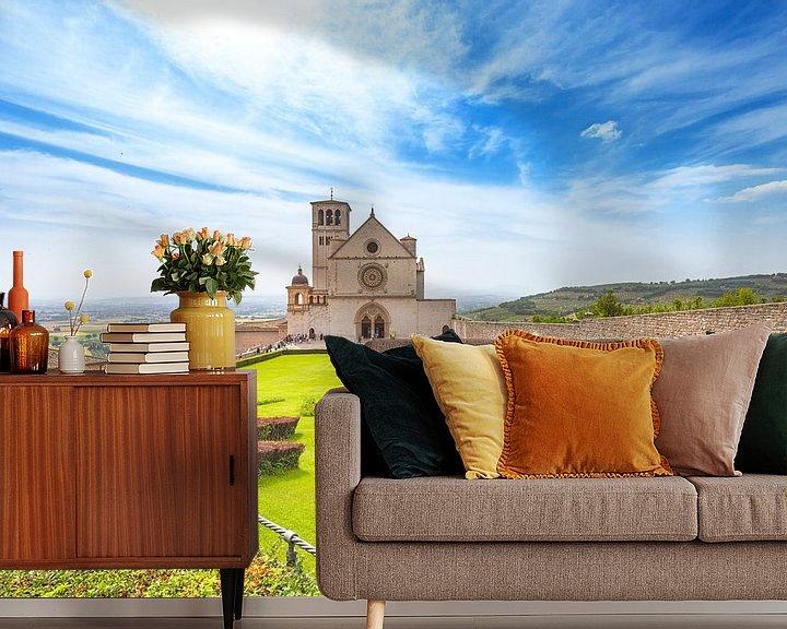 Sfeerimpressie behang: Sint-Franciscusbasiliek in Assisi, Italië van Jenco van Zalk