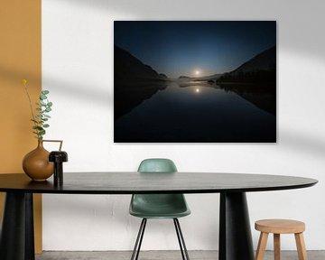 Maanopkomst bij het Bohinje-meer van Denis Feiner