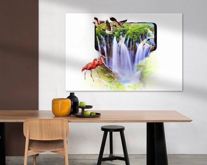 Beispiel: Wasserfall, der aus einem Smartphone kommt von Jennifer Hendriks