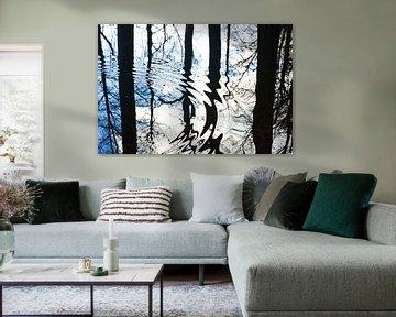Abstracte weerspiegeling boom met grafisch effect van Herman Kremer