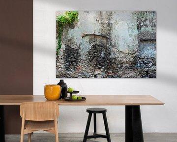 Verweerde stenen muur van Anouschka Hendriks