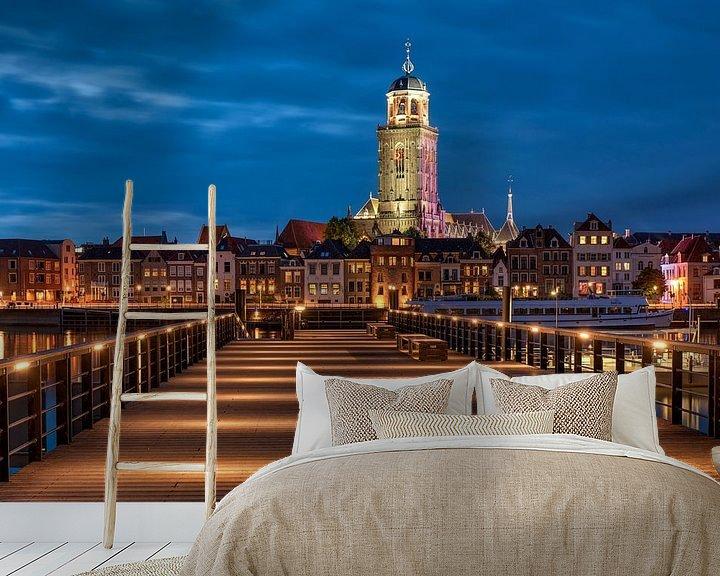 Sfeerimpressie behang: Stadsfront Deventer van Fotografie Ronald