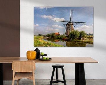 Hollandse windmolen en huisje