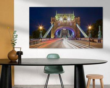 London Tower Bridge während der Hauptverkehrszeit