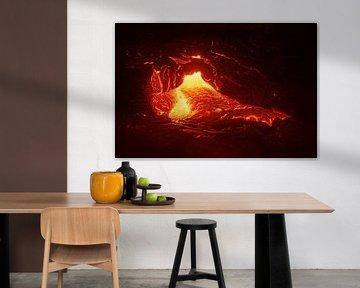 Lava stroomt uit een spleet van Ralf Lehmann