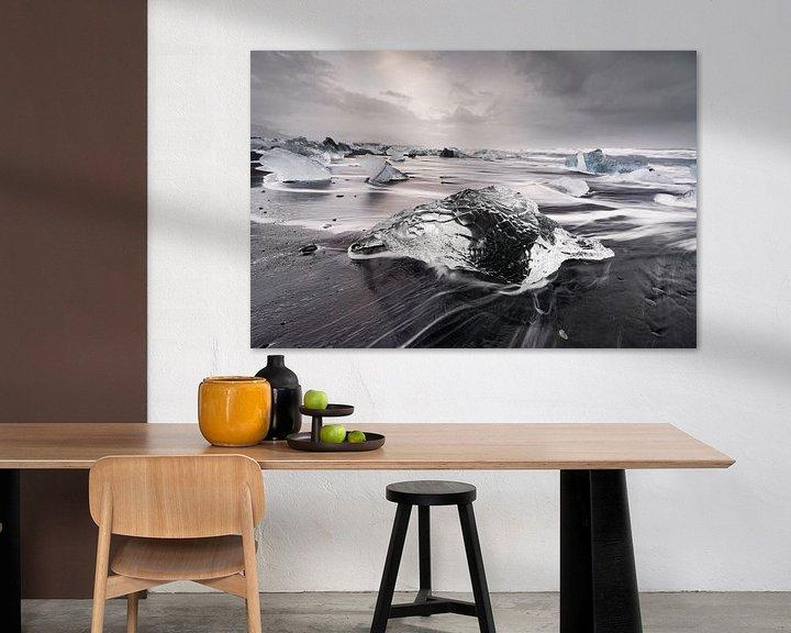 Beispiel: Eisblock am schwarzen Strand von Ralf Lehmann