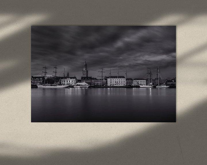 Sfeerimpressie: Stadsfront Kampen in zwart wit van Fotografie Ronald
