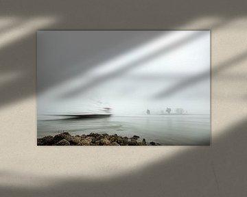 Looveer in Huissen (Arnhem) in de mist van Eddy Westdijk