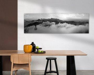 Rio in den Wolken (schwarz-weiß) von Merijn Geurts