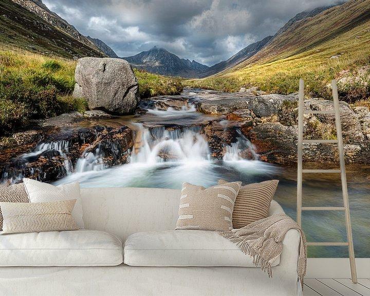 Beispiel fototapete: Märchenhafte Wasserfälle in Glen Rosa, Schottland von Rob IJsselstein