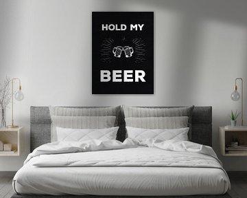 """""""Hold My Beer"""" industriële Tekst Print van MDRN HOME"""