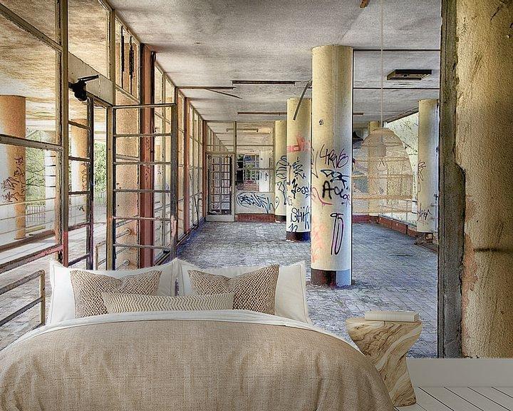 Sfeerimpressie behang: Hospitaal in België van Elly Damen