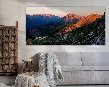 """Berglandschap """"Alpenglühen Mindelheimer Hütte"""" van Coen Weesjes"""