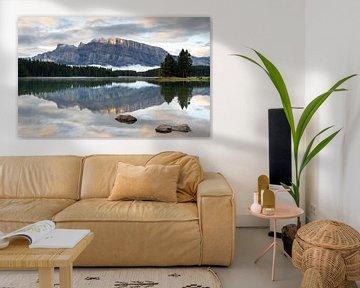 Two Jack Lake, Banff National Park, Alberta, Canada van Alexander Ludwig