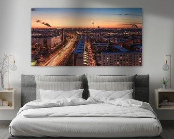 Berlin Skyline an einem Winterabend von Jean Claude Castor