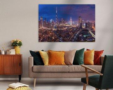 Dubai Skyline Downtown Panorama zur blauen Stunde von Jean Claude Castor