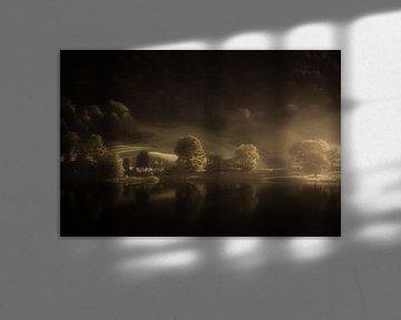 Licht in de duisternis in het Lake District in Engeland van Bas Meelker