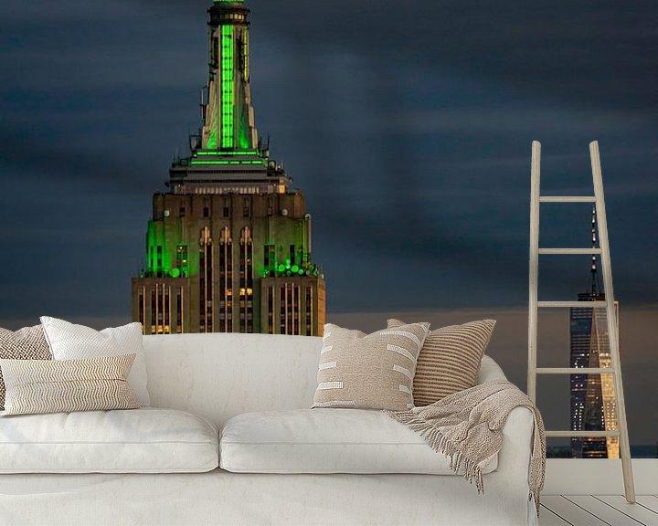 Sfeerimpressie behang: Empire State Building tijdens blue hour van Kimberly Lans