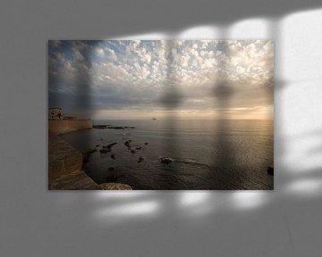 Zonsondergang Alghero, Sardinië, Italië van Joost Adriaanse
