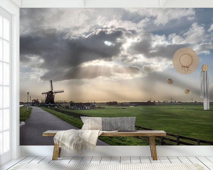 Beispiel fototapete: Polderlandschaft mit Windmühle unter einer Wolke mit Sonnenharfe von Rob IJsselstein