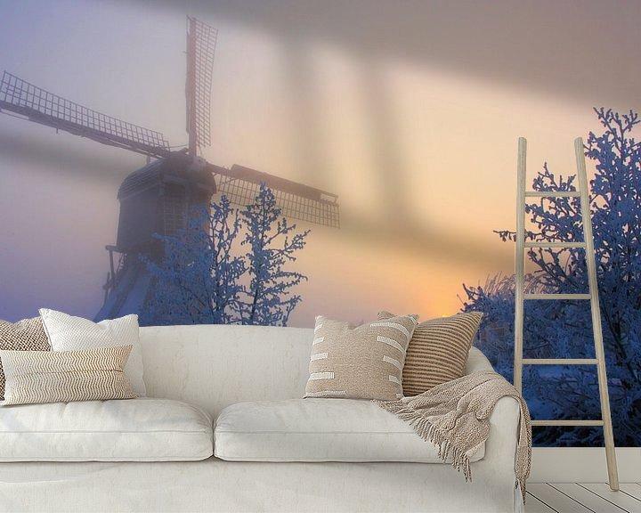 Sfeerimpressie behang: winterse zonsopkomst broekmolen van Ilya Korzelius