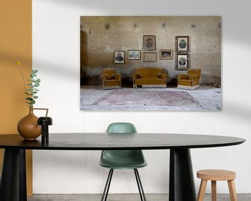 woonkamer in verlaten villa van urbex lady
