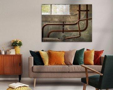 Rohrleitungen an der Wand