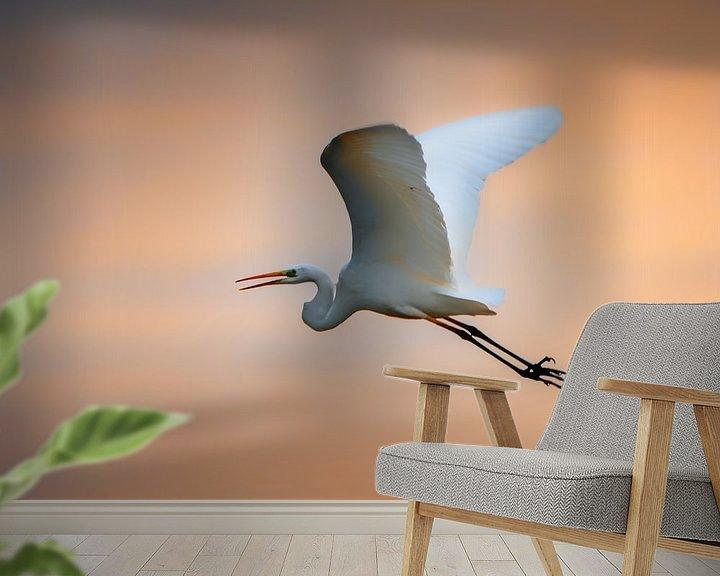 Sfeerimpressie behang: zonsondergang vlucht van Ruud Peters