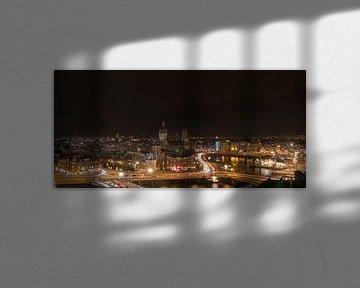 Einbruch der Nacht über Amsterdam von Foto Amsterdam / Peter Bartelings