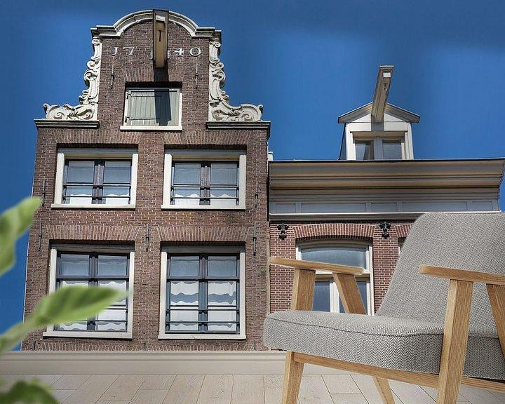 Sfeerimpressie behang: Typische Amsterdamse gevels met verhuis haken van Jan van Dasler