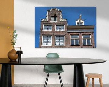 Typische Amsterdamse gevels met verhuis haken