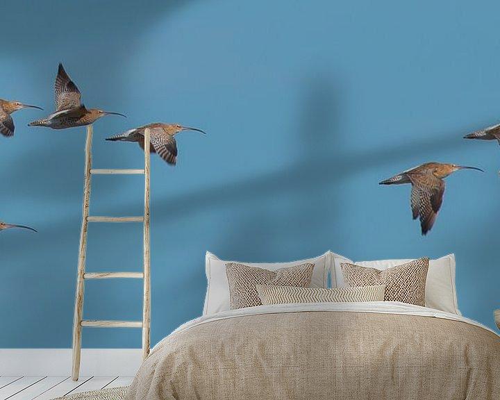 Sfeerimpressie behang: wulpen in vlucht van Ria Bloemendaal