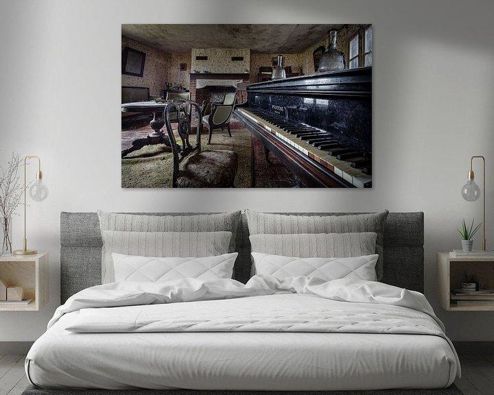 Beispiel: Klavierflügel in einem verlassenen Haus von Inge van den Brande